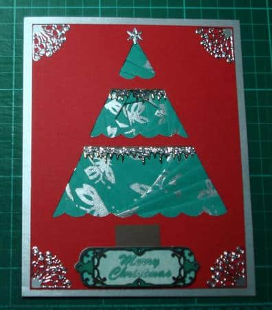 Christmas tree iris folding pattern