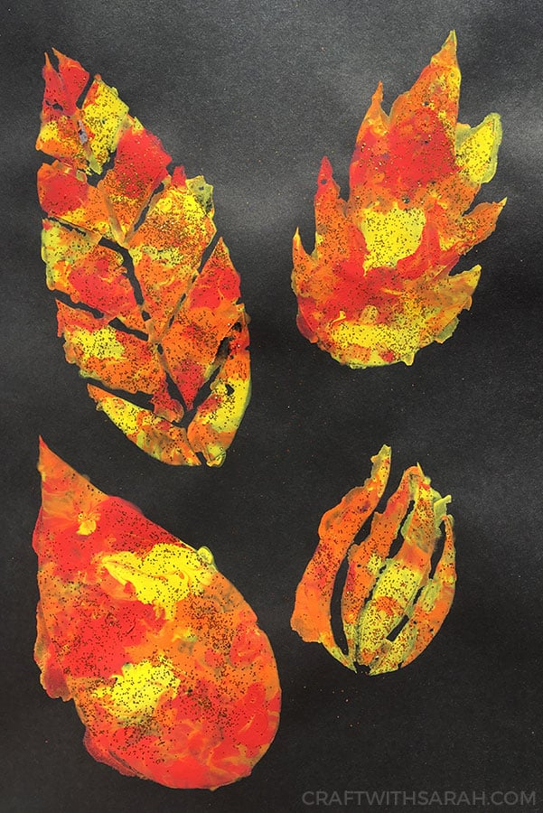 Fall craft painting for kids. Get your kids in the mood for fall with this fun cotton wool painting craft.