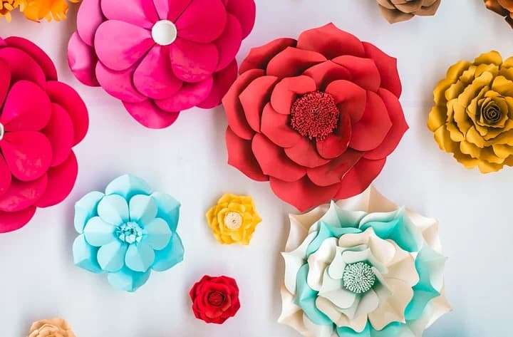 Paper flowers are a profitable craft