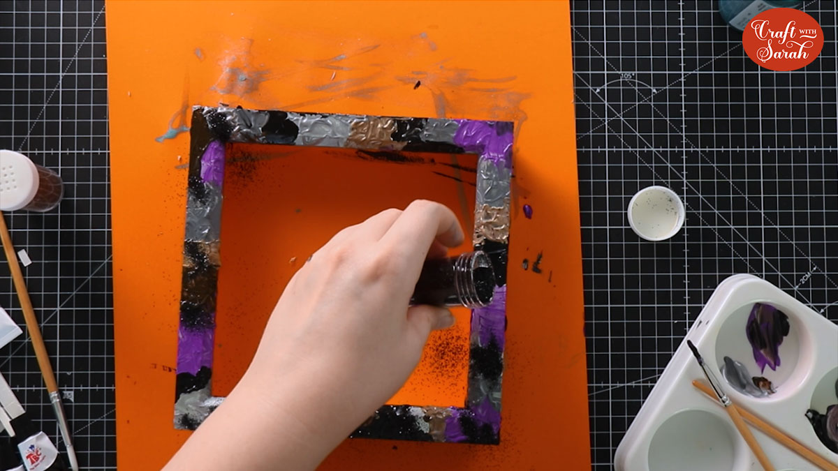 Add glitter to the frame
